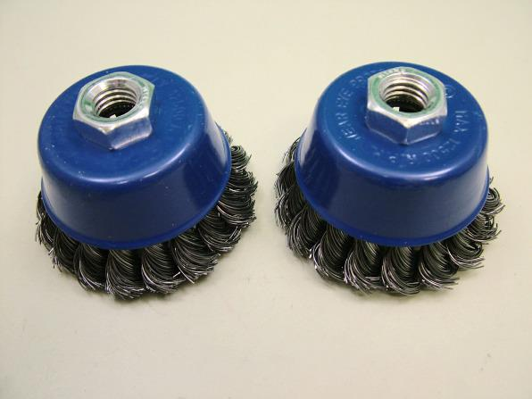 Heavy-duty cup wire brush for angle grinders